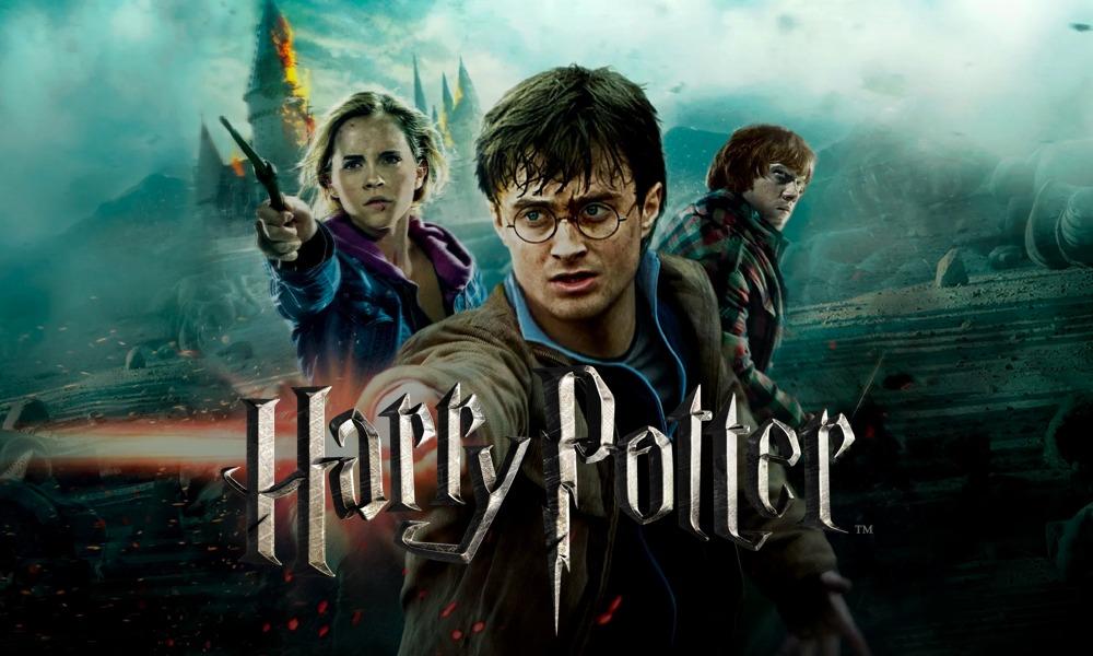 هری پاتر یکی از محبوبترین رمانهای جهان است که توسط جیکی رولینگ نوشته شده است. براساس این رمان یک مجموعه فیلم نیز توسط کمپانی وارنر براس ساخته شده است.
