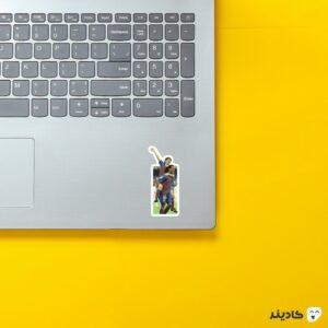 استیکر لپ تاپ مسی و رونالدینیو روی لپتاپ