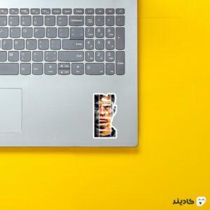 استیکر لپ تاپ کای هافرتس 2 روی لپتاپ