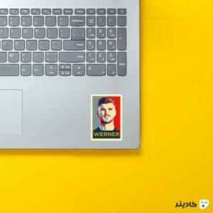 استیکر لپ تاپ پستر تیمو ورنر روی لپتاپ