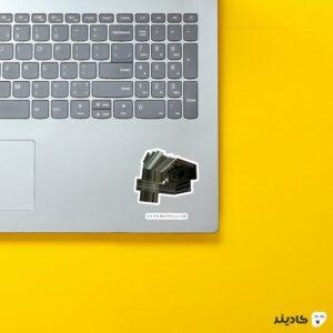 استیکر لپ تاپ ابعاد روی لپتاپ