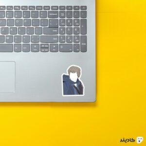 استیکر لپ تاپ سم وایز روی لپتاپ