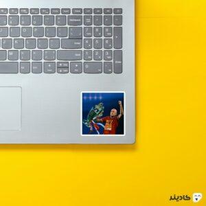 استیکر لپ تاپ پوستر آرین روبن روی لپتاپ