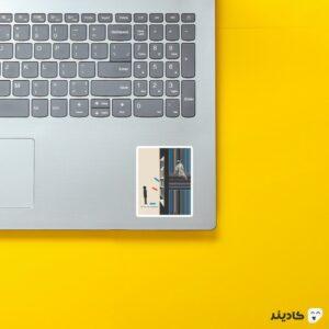 استیکر لپ تاپ کتابخانه روی لپتاپ