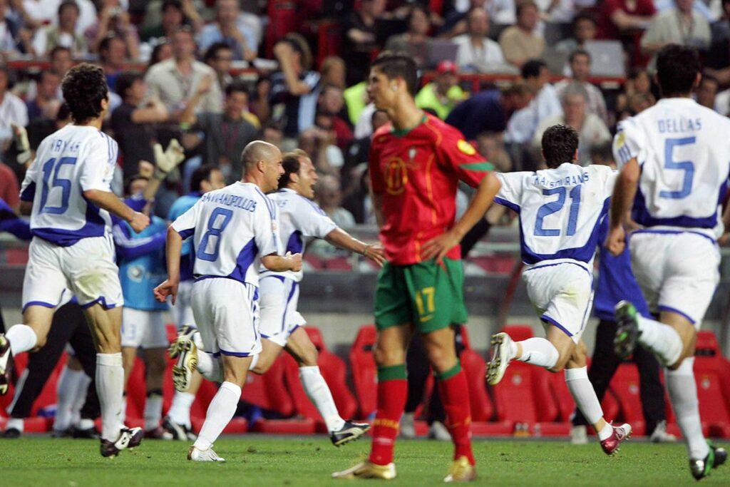 مسابقات یورو ۲۰۰۴ در کشور پرتغال برگزار شد. قهرمان این دوره از مسابقات کشور یونان شد. در این مسابقات هدایت یونان را آتورهاگل برعهده داشت.