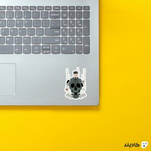 استیکر لپ تاپ پیکی بلایندرز، شلبی روی لپتاپ