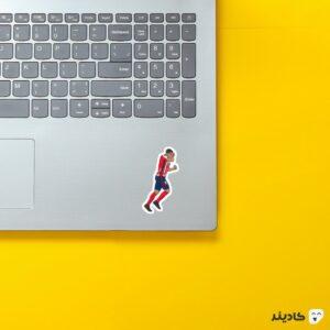 استیکر لپ تاپ لوییس سوارز گرافیکی روی لپتاپ