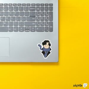 استیکر لپ تاپ پوستر شرلوک خندان روی لپتاپ