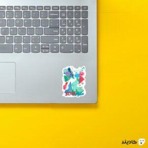 استیکر لپ تاپ پوستر روح جو و روحهای دیگر روی لپتاپ