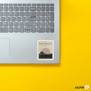 استیکر لپ تاپ پوستر سریال وستورلد روی لپتاپ