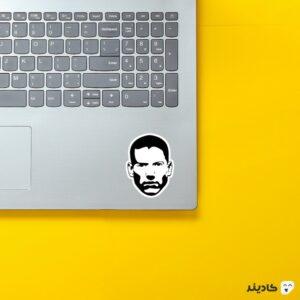 استیکر لپ تاپ فرار از زندان - پوستر سیاه سفید مایکل روی لپتاپ