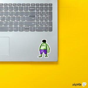 استیکر لپ تاپ نقاشی هالک روی لپتاپ