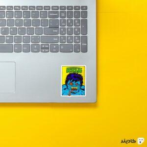 استیکر لپ تاپ هالک وحشتناک روی لپتاپ