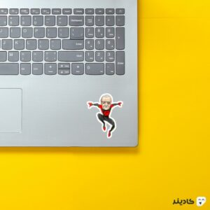 استیکر لپ تاپ استنلی عنکبوتی روی لپتاپ