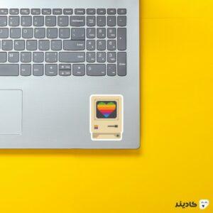 استیکر لپ تاپ استیو جابز - مانیتور مک روی لپتاپ