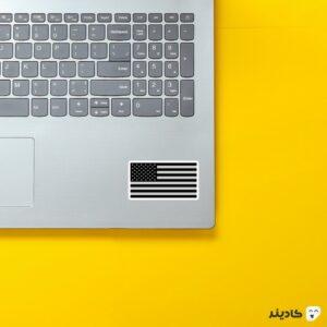 استیکر لپ تاپ کانتر استرایک - پرچم تاریک امریکا روی لپتاپ