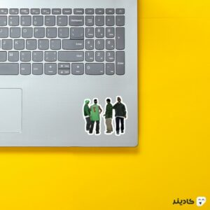 استیکر لپ تاپ جی تی ای - سن اندریاس و دوستان روی لپتاپ