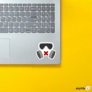 استیکر لپ تاپ رینبو سیکس: سیج - ماسک اپراتور میوت روی لپتاپ
