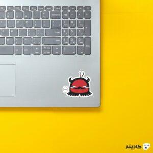 استیکر لپ تاپ black clover - نرو قرمز روی لپتاپ