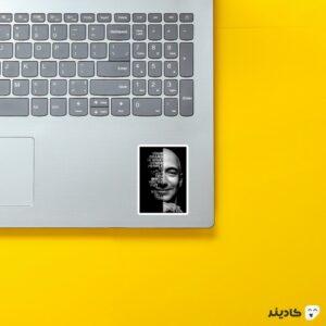 استیکر لپ تاپ جف بزوس - پوستر سیاه سفید جف بزوس روی لپتاپ