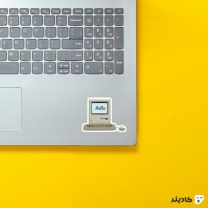 استیکر لپ تاپ استیو جابز - مکینتاش روی لپتاپ