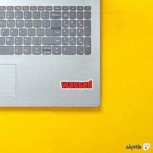 استیکر لپ تاپ جی تی ای - تایپوگرافی بازی روی لپتاپ